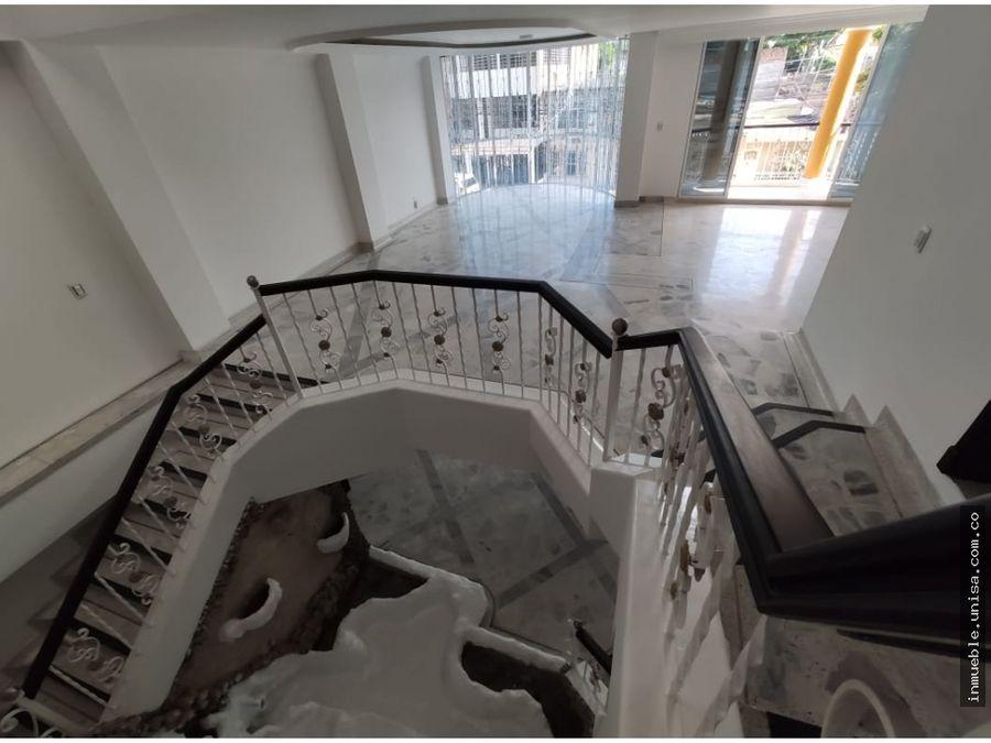 venta casa tres niveles barrio primero de mayo