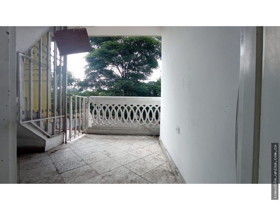 alquiler casa 2do piso barrio santa monica popular