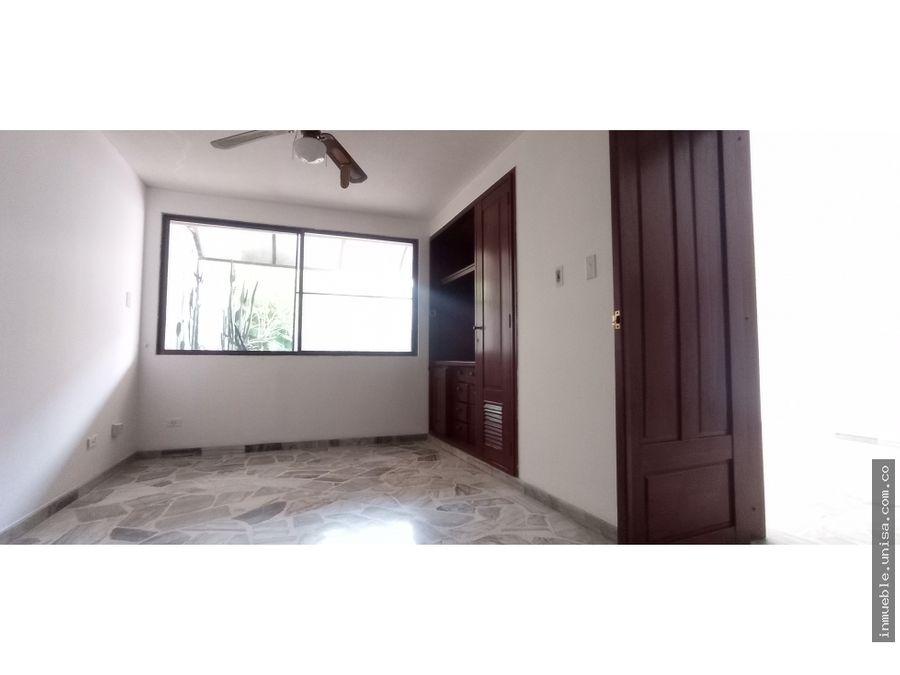 alquiler apartamento 2do piso edificio kalarca