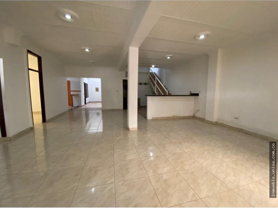 alquiler casa esquinera 1er piso barrio agua blanca