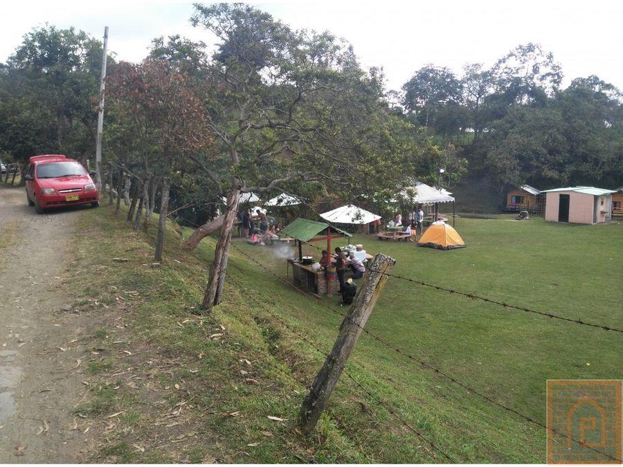 se arrienda cabana y zona de camping