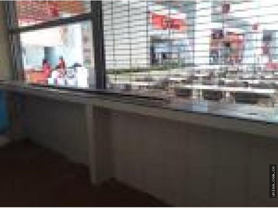 local para alauqiler en centro comercial la estacion 9186