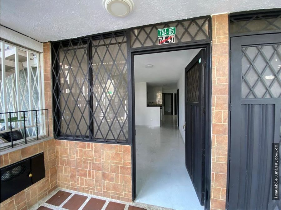 alquiler de casa en primer piso barrio colina del sur