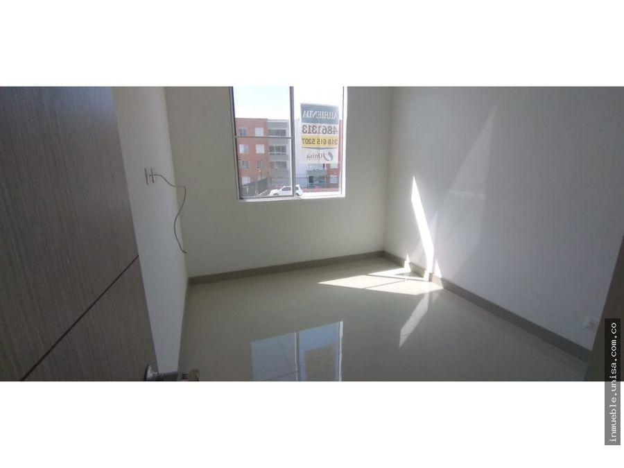 se alquila apartamento conj rincon de cristales prospecto 2059