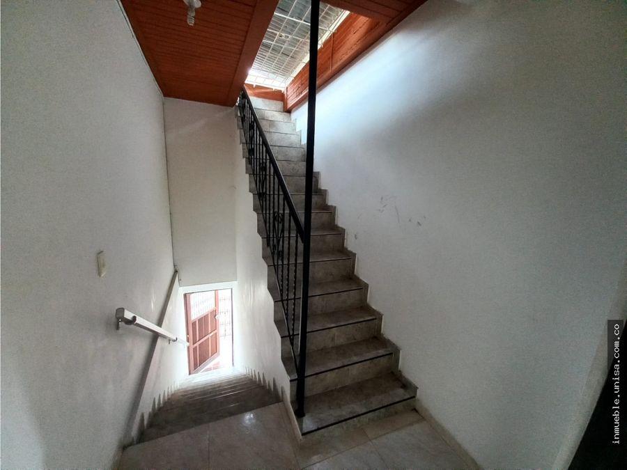 se vende casa bifamiliar barrio las delicias