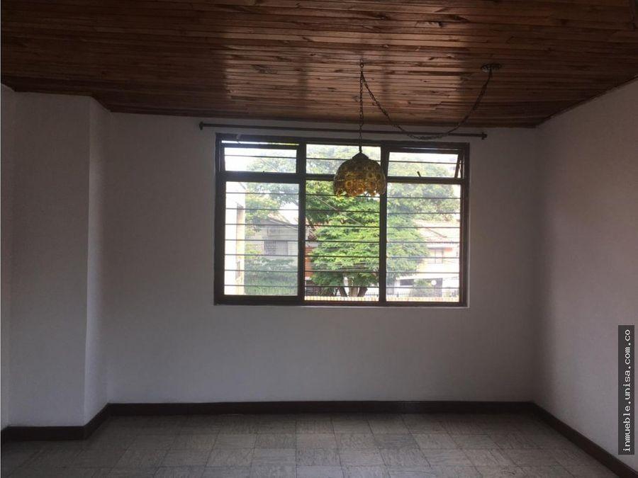 alquiler de casa en la flora en 2do piso