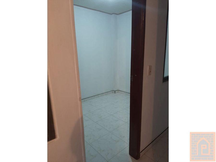 se vende casa 4 piso local 3 aptos americas bogota