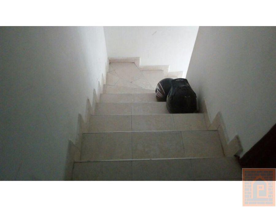 se vende casa de tres piso villavicencio meta