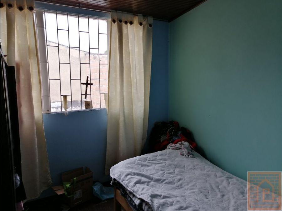 se vende casa amplia en alamos bogota cundinam