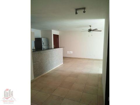 vendo apartamento 3 recamaras en la 12 de octubre 165000 245