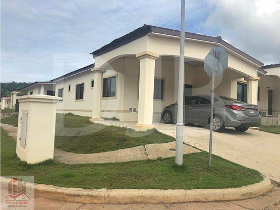 alquilo residencia de 3 rec en chorrera 226 m2 550 230