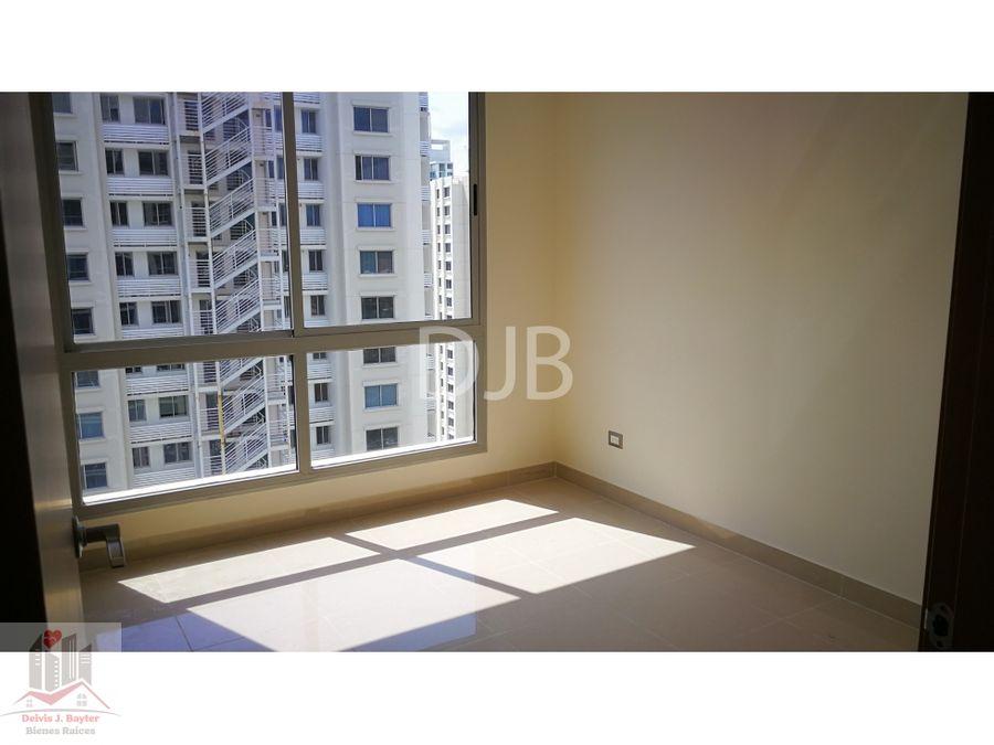 alquilo apartamento de 3 recamaras en 900 112