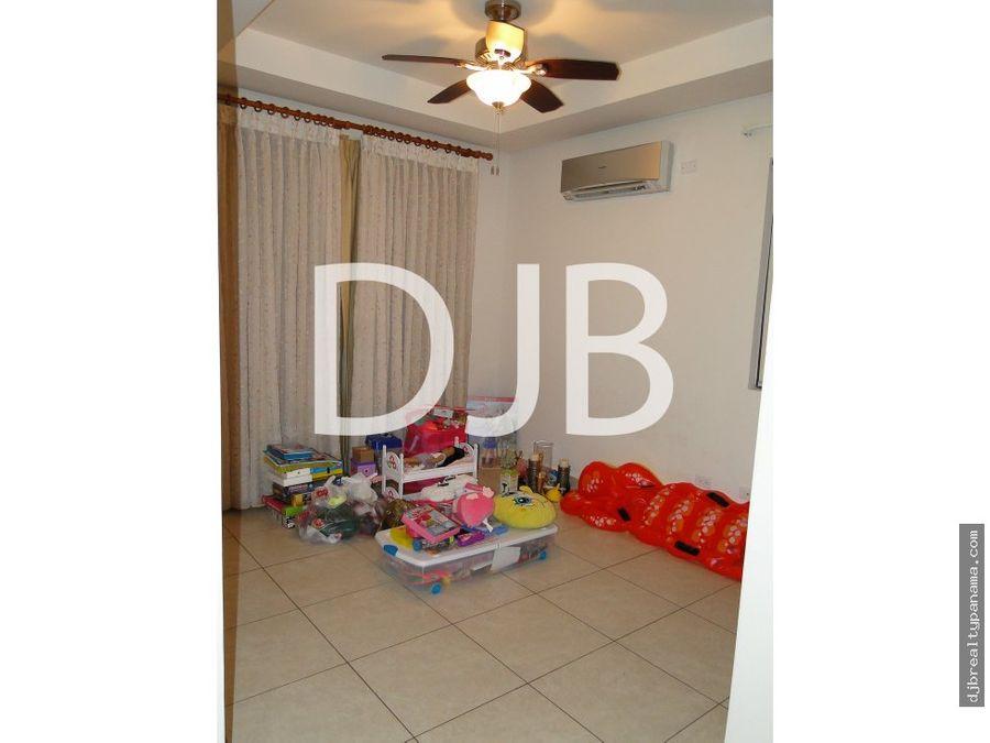 se vende o alquila una preciosa casa uni familiar en embassy club