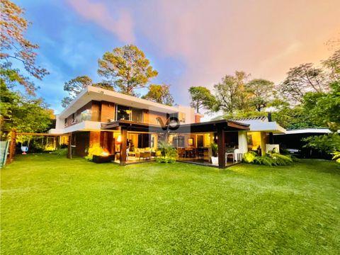 casa en venta exclusivo condominio en zona 14