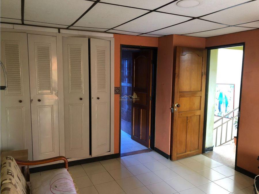 casa de tres plantas en venta quimbaya