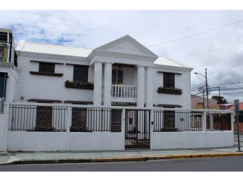 venta de casa esquinera con uso suelo comercial montelimar guadalupe