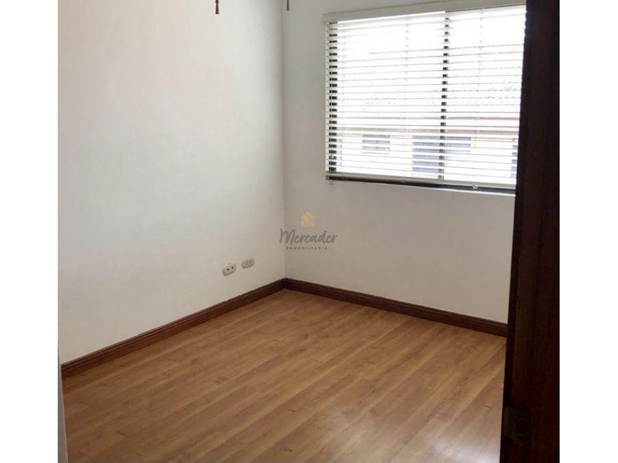 alquiler casa en condominio 3 hab escazu