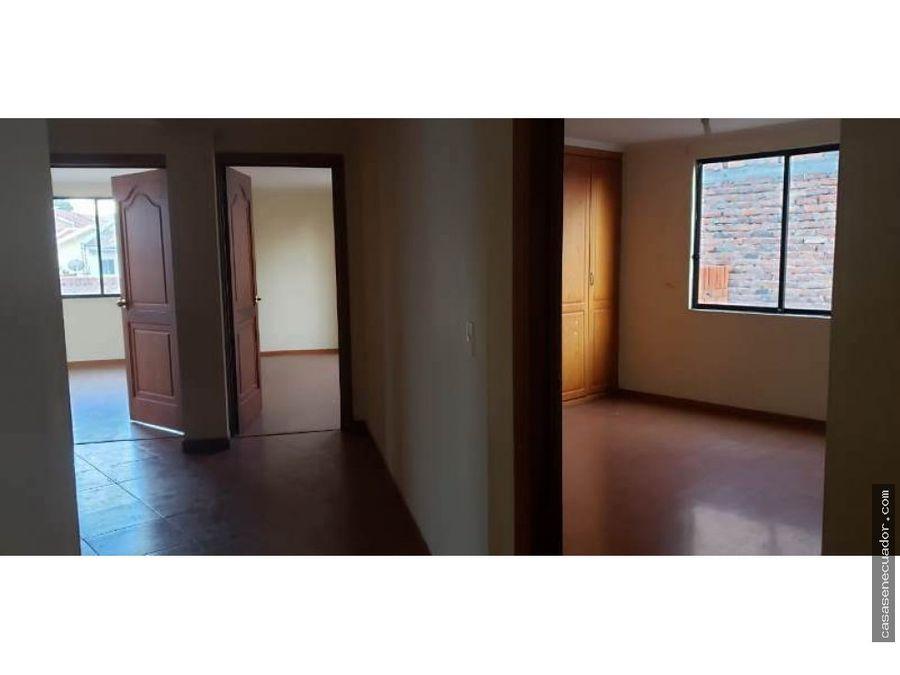 vendo casa de 2 locales y 3 departamentos en totoracocha
