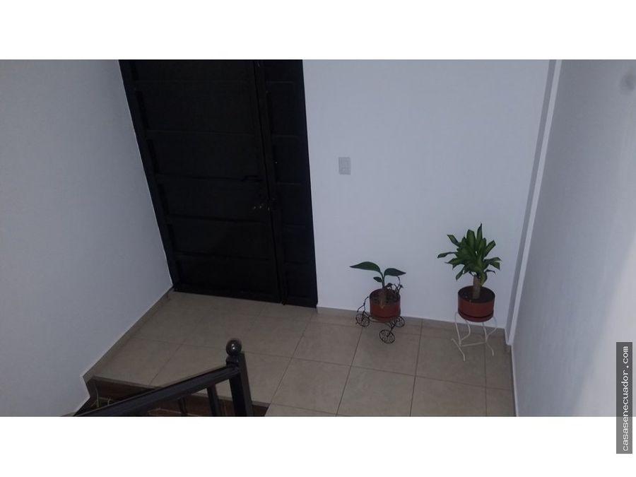 vendo casa de 2 departamentos 2 locales comerciales 218000