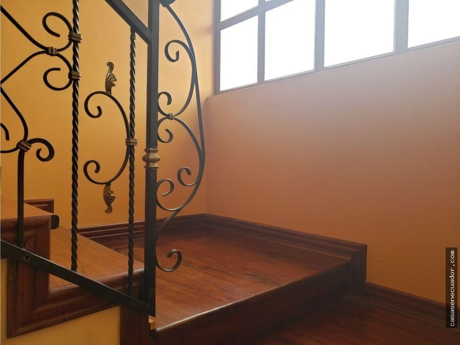 oportunidad casa de 2 departamentos y local 132000 neg