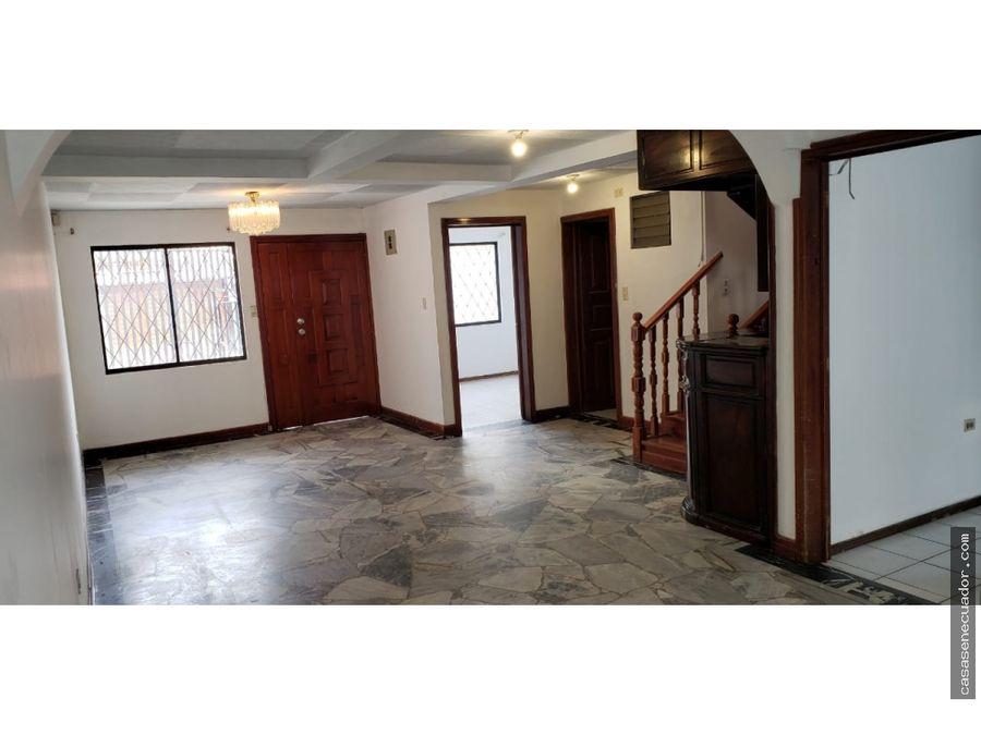 vendo casa amplia sector quinta chica precio 98000 neg