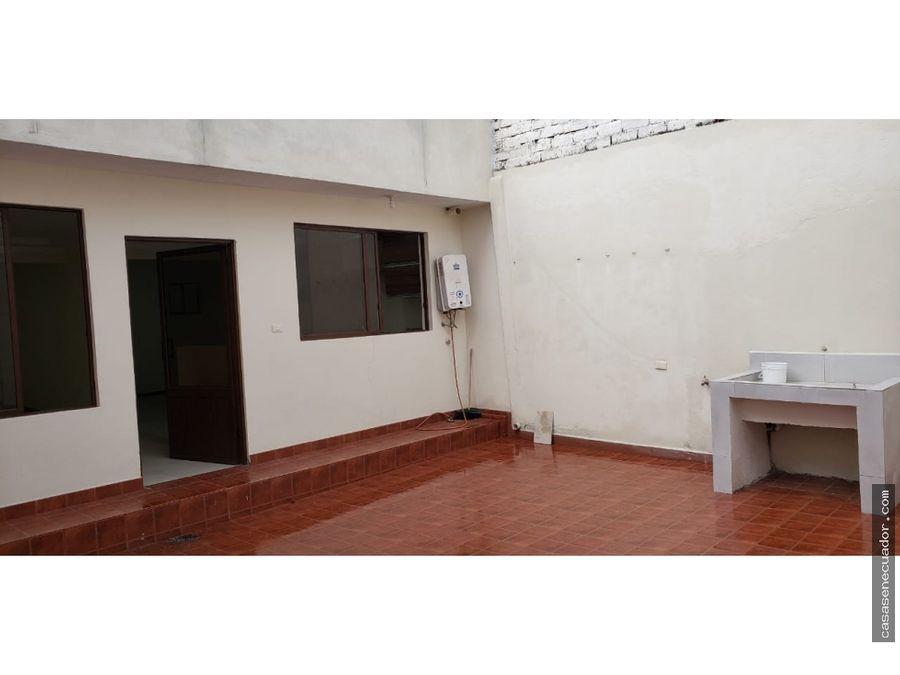 vendo casa en el centro d3e cuenca con local 135000 neg