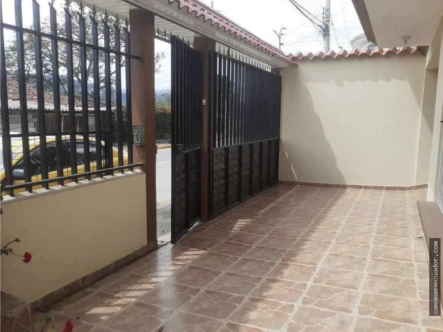 vendo casa de 3 departamentos en totoracocha 183000 neg