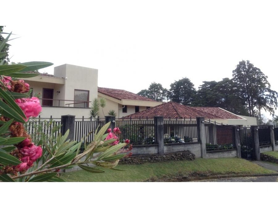 venta casa de lujo ave del paraiso heredia 650000 vhp clv273