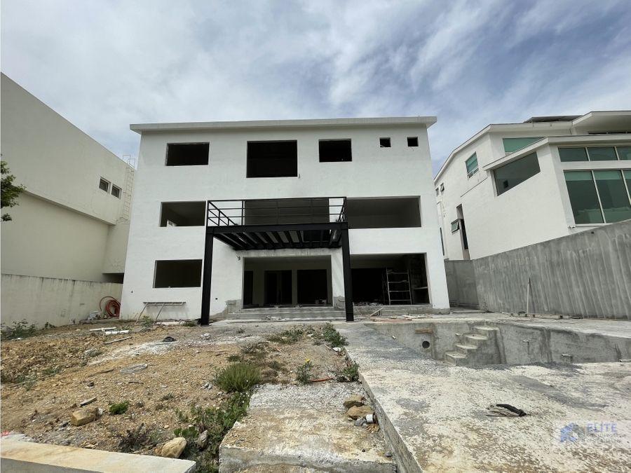 venta de casa en carretera nacional sierra alta