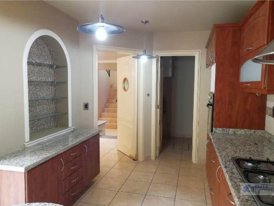 casa en venta en claustro de santiago queretaro