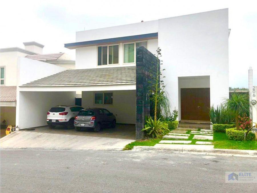 venta de casa en carretera nacional sierra alta 6to sector