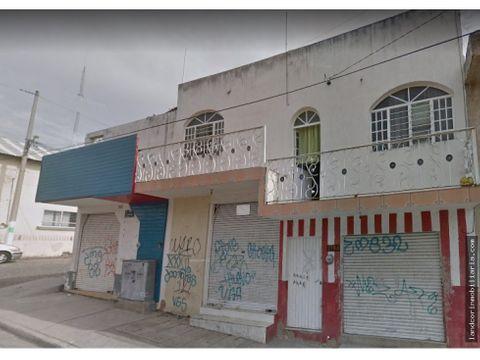 casa y 3 locales comerciales en esquina