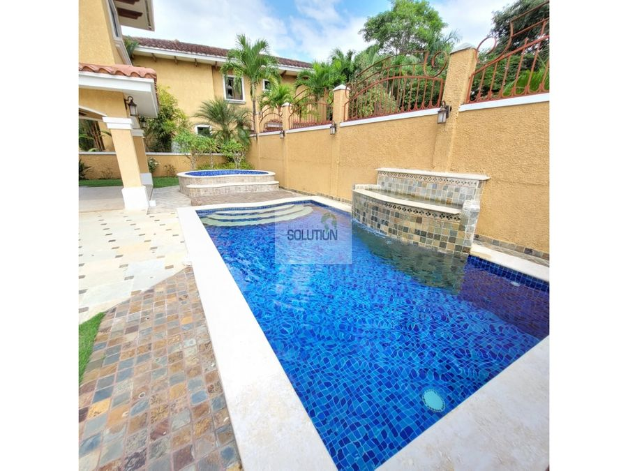 alquilo casa con piscina y jardin en clayton village