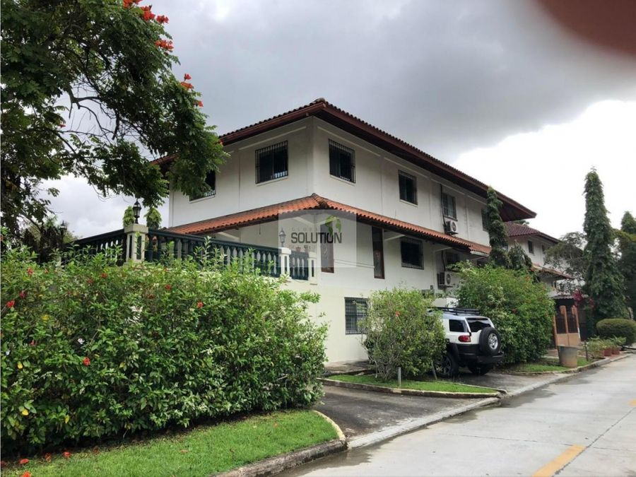 se vende casa albrook ciudad de panama