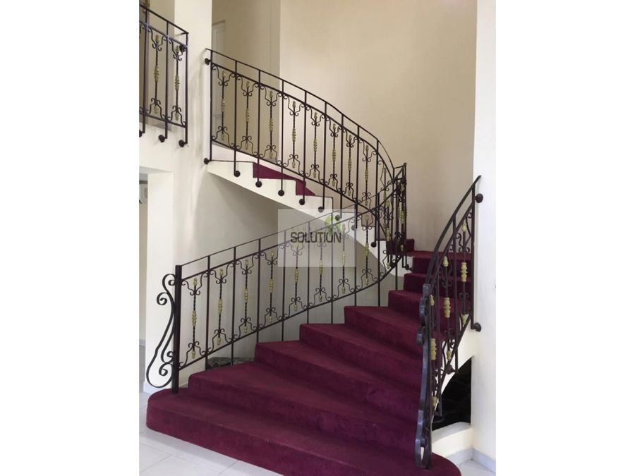 hermosa casa en albrook residencial