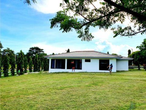 casa de campo en cabuya 1920 m2 3 rec 2 banos vista a las montanas