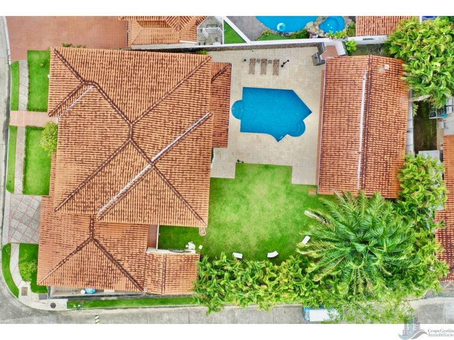 alquilo casa con piscina 4 rec en costa del este