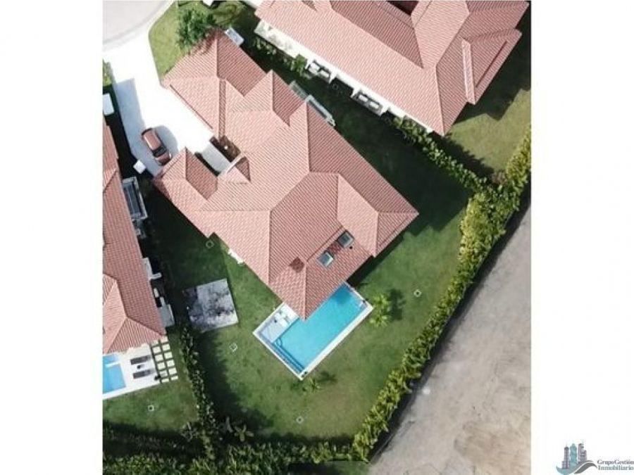 casa con piscina 4rec en santa maria