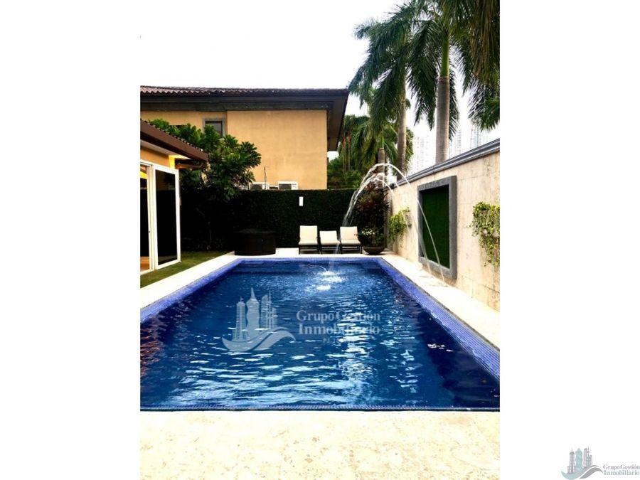 casa con piscina 4 rec en costa del este antigua