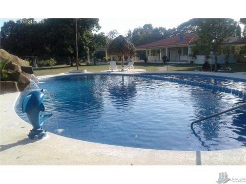 alquiler finca con piscina cerca a la playa