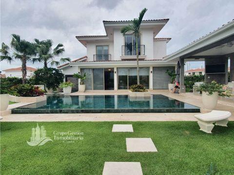 casa de lujo con piscina climatizada santa maria fairway estate