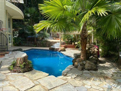 casa amplia en venta 5 rec en albrook 750m2