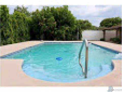 casa de playa con piscina gorgona