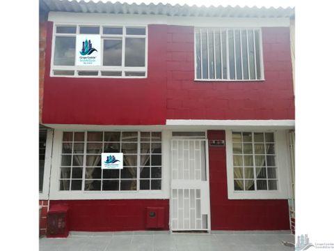 venta de excelente casa en la fachada 90m2