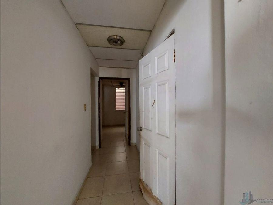 se alquila casa de 140mts para uso comercial o deposito