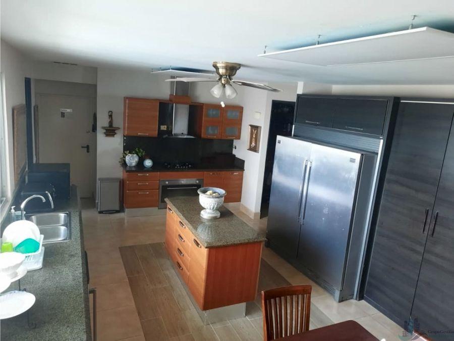 apartamento amoblado 3rec 420mts2 en costa del este