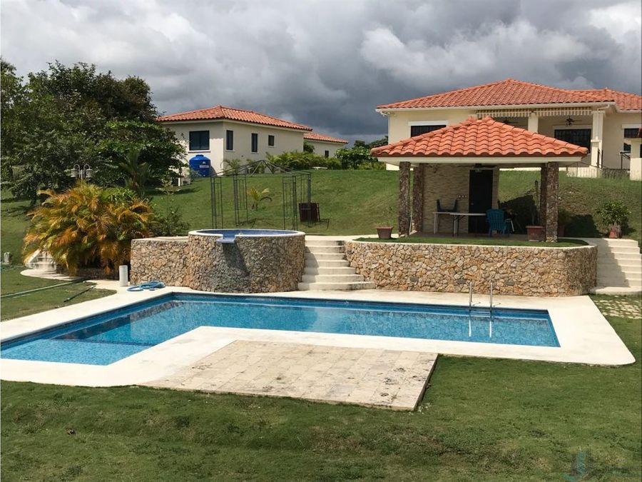 casa con piscina en hacienda pacifica coronado