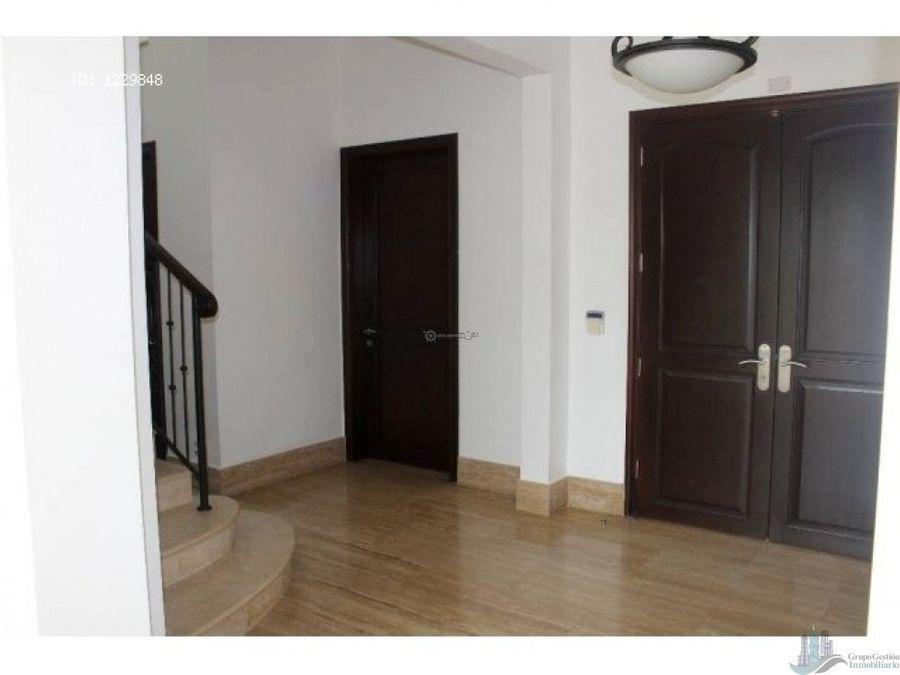 alquilo casa en santa maria 4 recamaras 731 mts