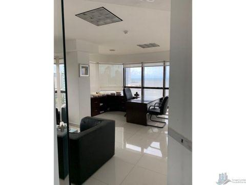 oficina con opcion a compra en torre bac av balboa