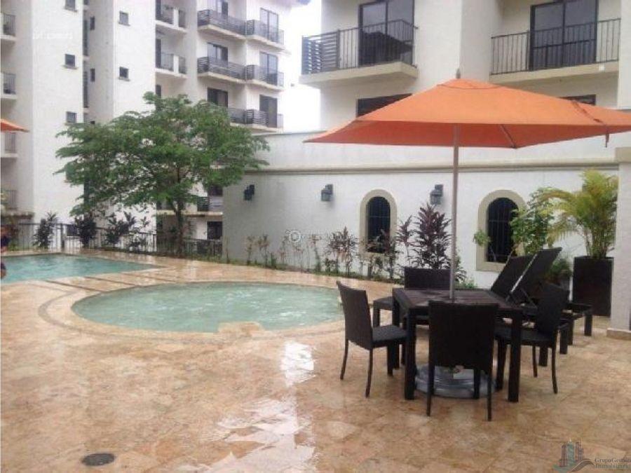 apartamento amoblado en ph embassy village 220 mts2